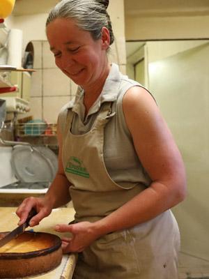 Annegret Scholler-Hilgenberg, Hygienemanagement, Kuchenherstellung, Verkauf auf dem Wochenmarkt